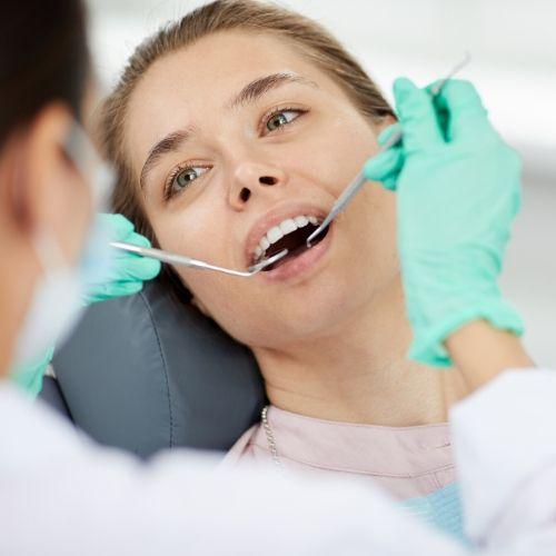 cuidado de tus implantes dentales